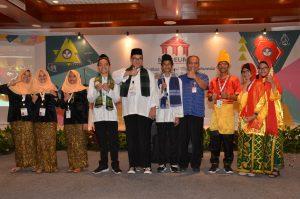 Foto Juara umum bersama dengan Kepala Museum Nasional, Drs. Siswanto, MA