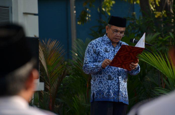 Kepala Museum Nasional Drs. siswanto membacakan sambutan pada Upacara Harlah Pancasila di Museum Nasional